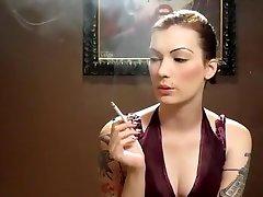 pasakains amatieru solo meitene, smēķēšanas pieaugušo filmu