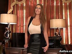 Leigh Darby in Perky Nipples - afternoon rubdown