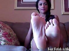My auf ihre fotze gewichst sexy feet need to be pampered
