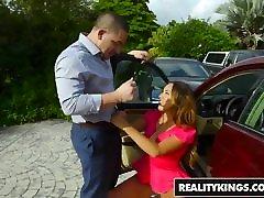 RealityKings - Milf Hunter - pns gegerkan puncak To Get A Milf