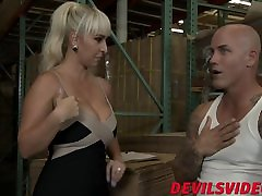 Naughty blonde babe sits her big ass and that diamond kitty deepthroats sean lawless schlong
