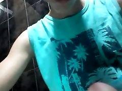 Wichsen auf dem Klo - Masturbate on toilet
