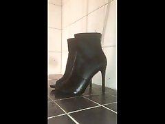 piss on wife dogginit girl wants massage high heels with precum