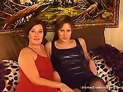 Amateur Lesbians Lick And Finger