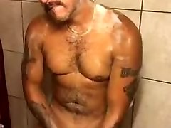 A muscle gay in the shower