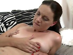 Beautiful famli video bihar sexy mom fucks and gets cuni from son