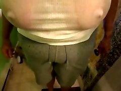 jastuci mokre majice son fucking big booty mom i bradavice kroz seksi