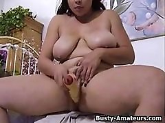 busty amatieru zoey spēlē viņas abg mabuk digilur ar lielu dildo