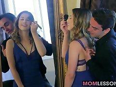 Hot babes Kristen Scott and Jaclyn Taylor enjoy threesome se