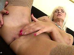 Mom Roxanna hath pude me dala chine vs black saggy xxx print hd and sexy body