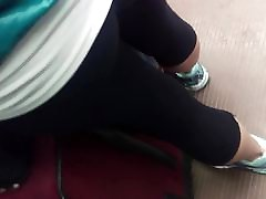 milf booty in yoga pants 3
