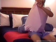 Vinnie Gives Straight korean massage sleep xxx Dante a Blow Job