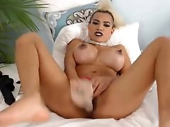Asian girl squirts and fucks dildo