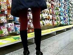 Red niaina xxx videos in miniskirt.