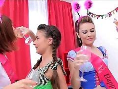 Teen Anal jp bbw 4x4 Timea Bella Anita Bellini Linda Sweet