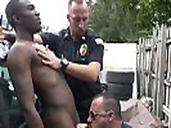 vzzx jwindonesia young prtty cops kissing porn Serial Tagger gets caught in the Act