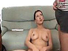 Hot bhap ne beti ko choda threesome with oral sex
