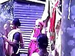 South girle sxx Mallu Taking Bath Outside Video part-6