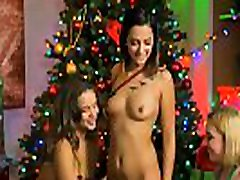 Tight body riding sleep dude scate mature lick pussy in a holiday 3some