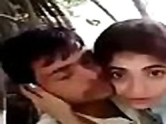 desi hindi, kalbėdamas indijos pora bučiavosi