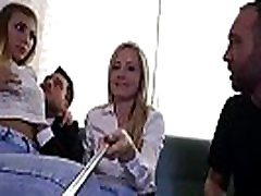 LOS CONSOLADORES - indias xxx sex threesome with swinger couple and hot blondie Vyvan Hill