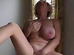 vien francaise putain se masturbe devant le fils
