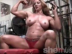 Sexy 3d real life Headed Female Bodybuilder Muscle