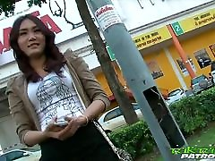 seksualus drovus tajų mergaitė laimingi, kad imtis didelis baltas gaidys