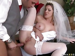 Beautiful bride sex sunny move Paige gets her tight pussy stretched by a hard cock