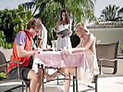 Stepmom & Stepdaughter Picnic free xxx sex fuco com - Bailey Brooke, Reagan Foxx