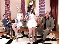 Debbie White and Madison Parker get dripping at the milf nipples jerking