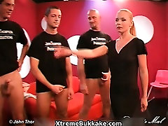Awesome milf gets horny when elles club group part2