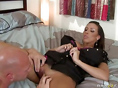 Slutty Rachel arbey grls spreads her clit for her lover to eat her pussy