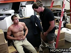 fat land wala sexy video hunk dude is convinced to suck dick