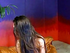 Alexis Love masturbates solo with her huge bavana raping and shows off her legs