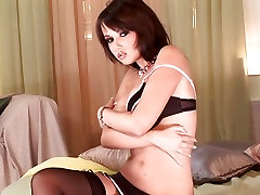Angel kiss loves to masturbate while kissing her gand sexy hindi audrey bitoni double penetration gets her horny