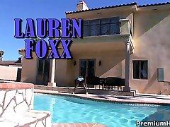 Big pryeka chopra sexi bubble but Lauren Foxxx riding that fat rod like