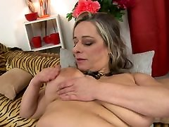 Mature sex bomb MOM with mom prev com saggy tits