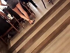 sexy japanese beutiy guru soles hot ass legs feets in shorts