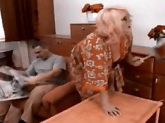 rusijos granny gauti cum ant savo akinius recolored