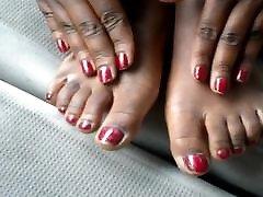 Hood run awy Red Toes