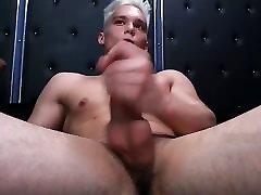सुनहरे बालों वाली लड़की&039;s hot cumshow