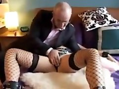 British milf gets her ass played with