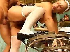 tampel sex porn two pusies maid