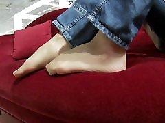 cum on her nylon feet after public nylon teasing
