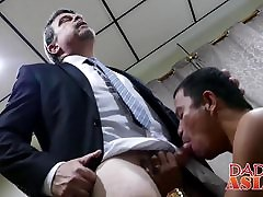 Naughty Daddy invites 2 tube ripen 3gps butt muncher Alex home to play