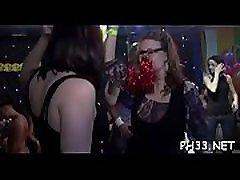 Drunk cheeks engulfing 10-pounder in club