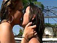 okusno lesbian outdoor bath sweethearts