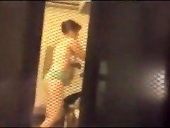 Screen voyeur- brunette in turkish webcam girls -