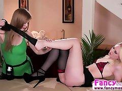 Lesbi Dolly Leigh licks Lily Rader foot